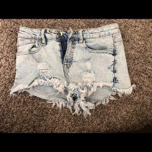 Buckle high waisted jean shorts